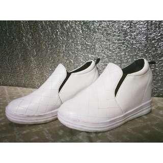 2-inch Hidden Heels In Sneakers