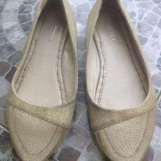 transparent gold shoes. Reprice!