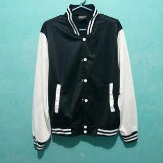 Preloved Varsity Jacket (M)