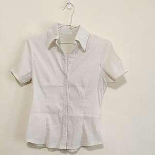 短袖白襯衫