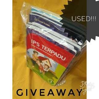 1 Set Buku Paket Kelas 1 SD
