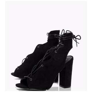 Boohoo Scallop Trim Eyelet Ghillie Shoe Boot Size 8 UK