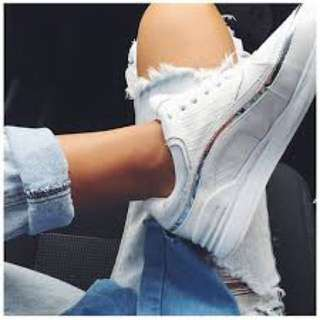 Sick!! White Windsor Smith sneakers