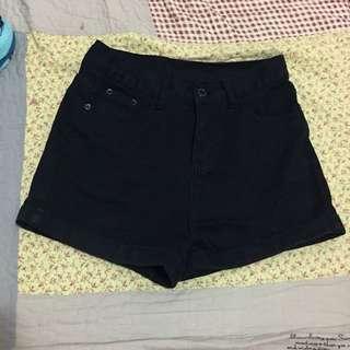 🚚 黑色牛仔短褲