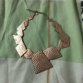 Kalung Besar