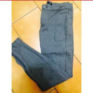 Zara 灰色棉質貼腿褲