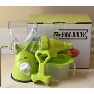THE RAW JUICER Manual juicer