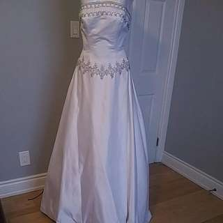 """Wedding Gown """"Private Label by G"""" - size 8"""