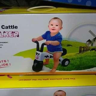 乳牛學步車