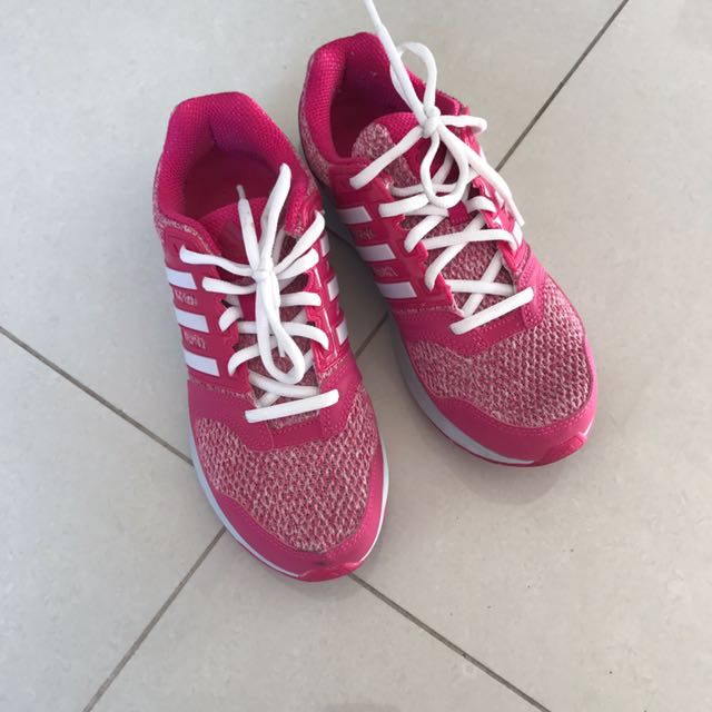 Adidas Questar Trainers US Size 7