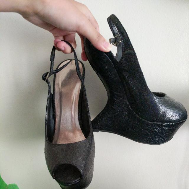 Black Heel-less Shoes