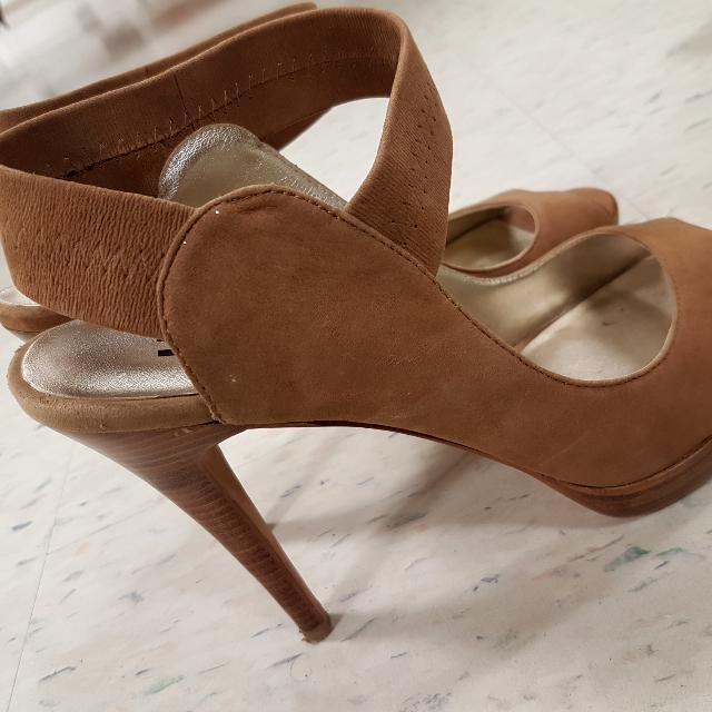 BROWNS Nude Heels 8.5