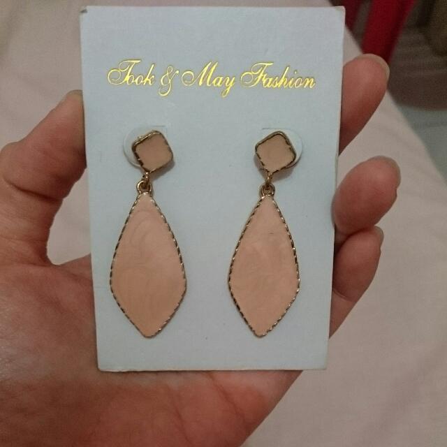 Earrings, Anting