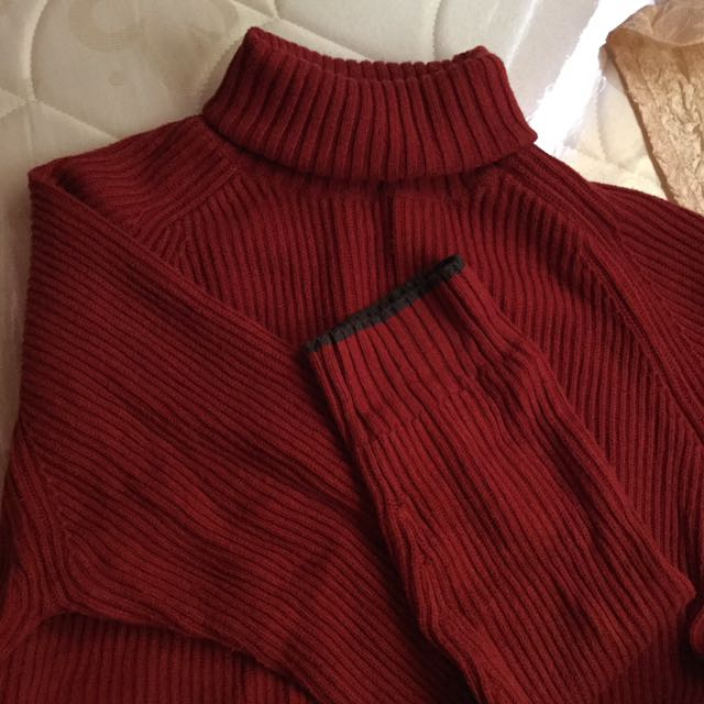 GAP Red Turtle Neck Pullover