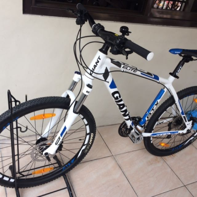 Giant Bike Elite 0, Sports, Bicycles on Carousell