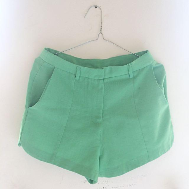 Green Shortpants