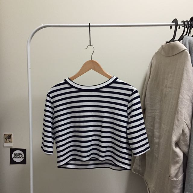 H&M 3/4 Sleeved Striped Cropped Top