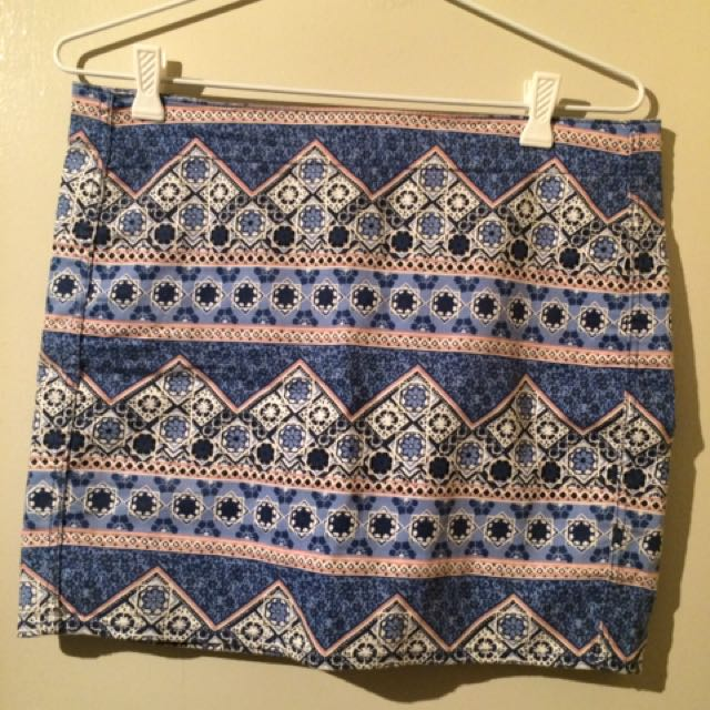 H&M Stretchy Mini Skirt