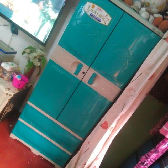 Luckystar Cabinet . Used But Not Abused . Ung Susian Wala Na Pero Pwede Pang Kabitan 😊