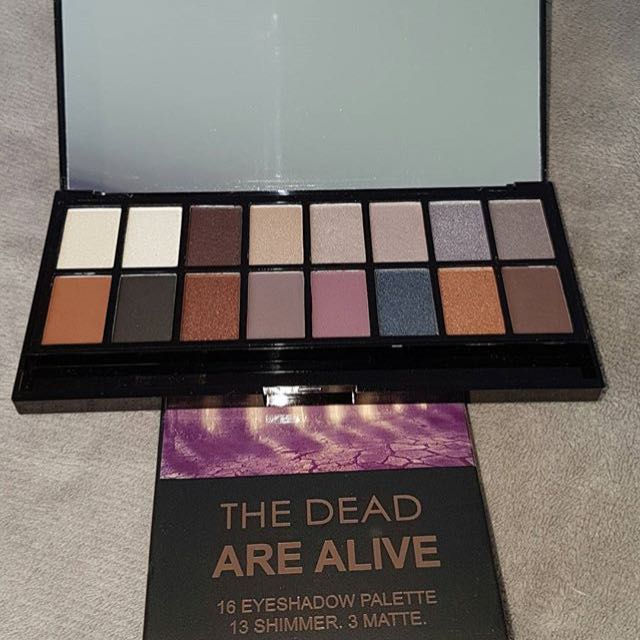 makeup revolution the dead are alive eyeshadow palette