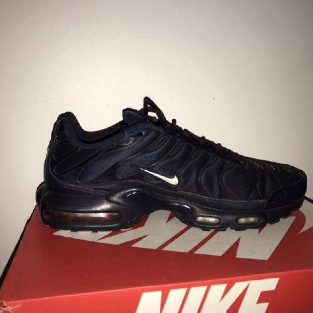 Midnight Navy Tns Men S Fashion Footwear On Carousell