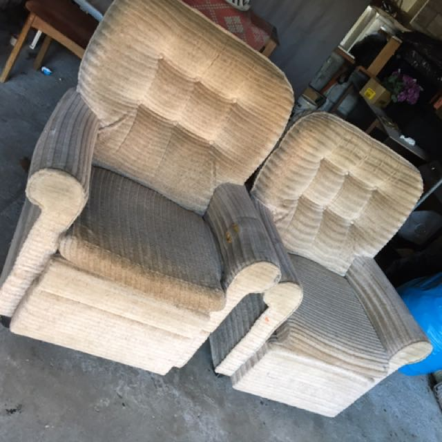 MOST COMFORTABLE SET OF CHAIRS