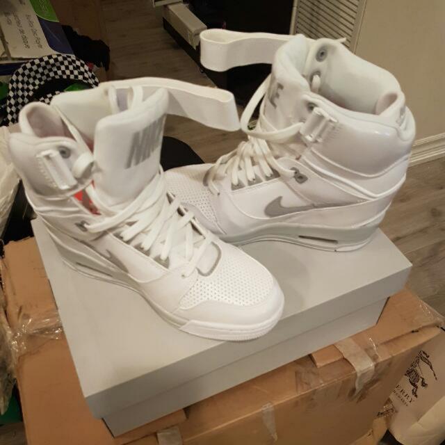New Nike With Heel. 8.5