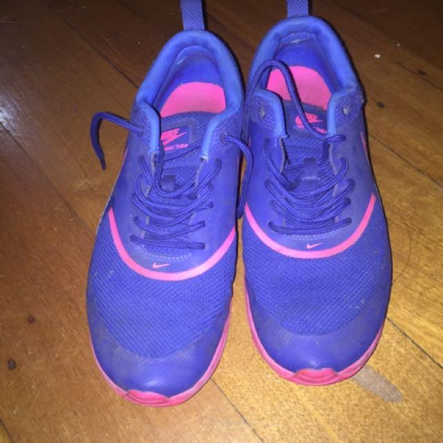 Nike Women's Size 8 shoes