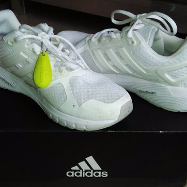 Preloved Adidas White Shoes ‼️