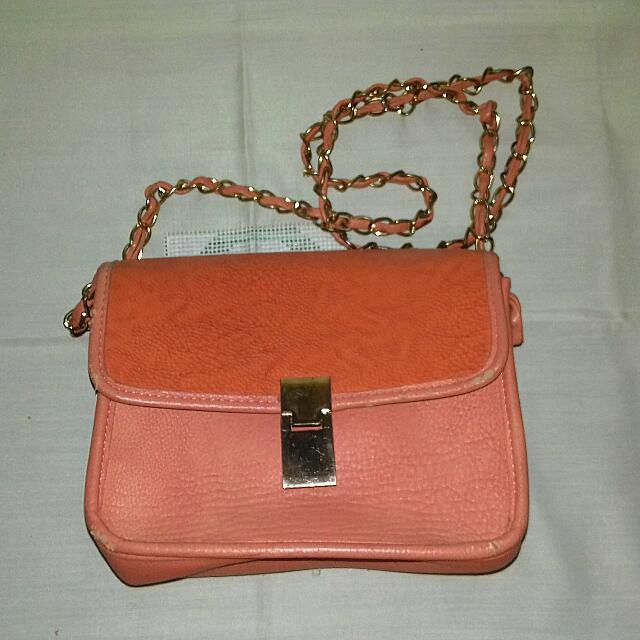 "Preloved Sling Bag Merk ""Sportsgirl"" (Brand Australia). Jual Apa Adanya"
