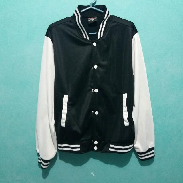 Preloved Varsity Jacket (M)