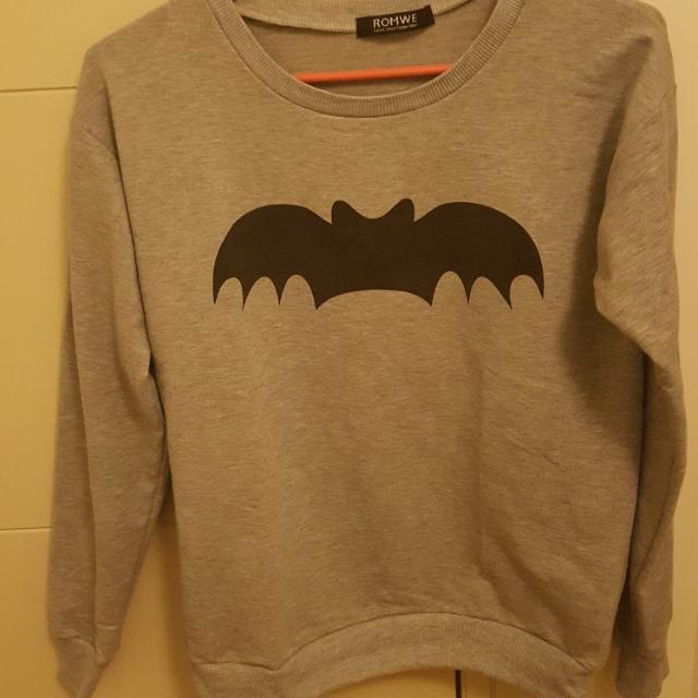 Romwe Grey Bat Sweatshirt   Size S