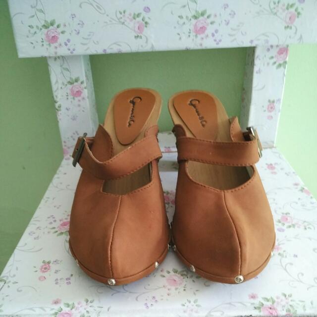 Sepatu Gareu&Co