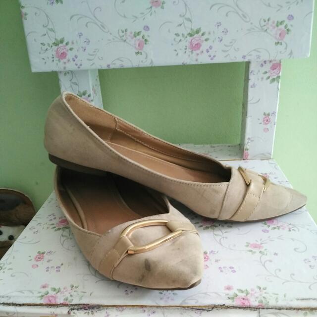 Sepatu Urban& Co