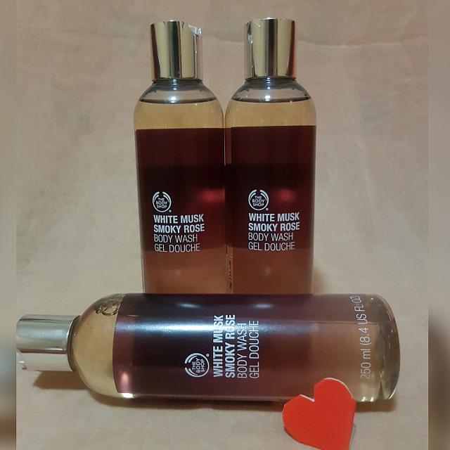 The Body Shop White Musk Smoky Rose BODY WASH