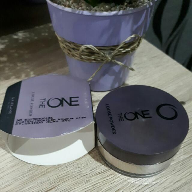 The ONE Loose Powder (Oriflame)