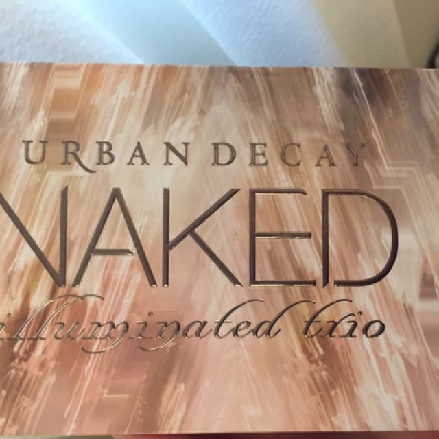 Urban decay- Illuminating Trio