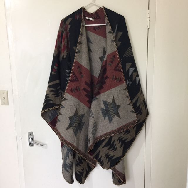 Valleygirl Warm Poncho / Shawl