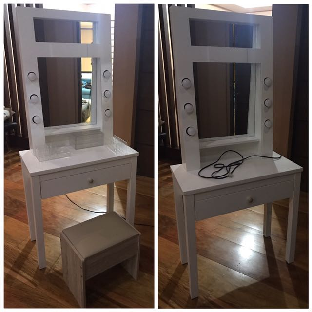 Vanity Table ( w Lights & Chair)