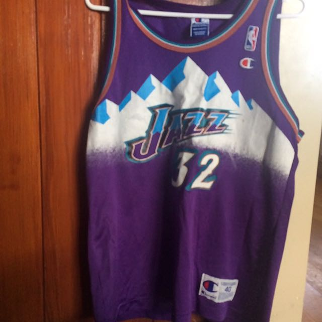 Vintage 90s Utah Jazz No. 32 Karl Malone