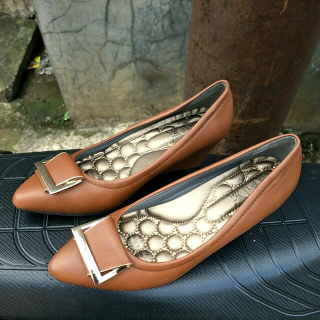 Wedges Diva Made In Korea Sz 38