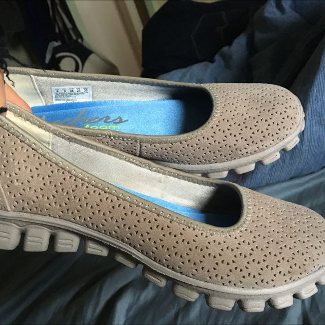 Women's Skechers (as new) size 7