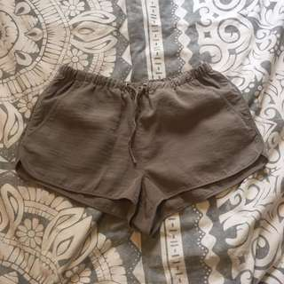 H&M Grey Drawstring Shorts (size:6)