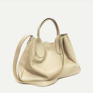 [REPRICE] Kaynn Basic Shopper Bag