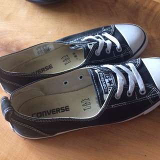 Black Converse Slip Ons - Size 7