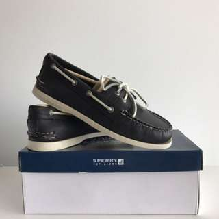 (RESERVED) BNIB Sperry Boat Shoes