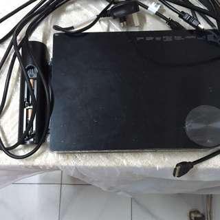Samsung Bluray Player + remote + HDMI Cable X3