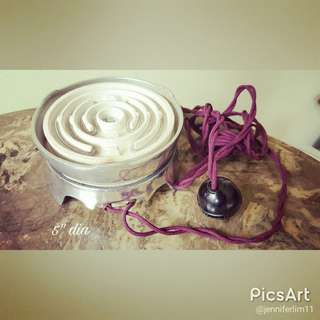 """Convenient Vintage 5.5"""" dia. Small Electric Stove with porcelain fittings. Looks unused as it is clean. Working but we do not recommend usage as it does not bear Sisir Pass. $20 offer, Sms 96337309 for Fast Deal !"""