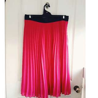 H&M pleated hot pink skirt