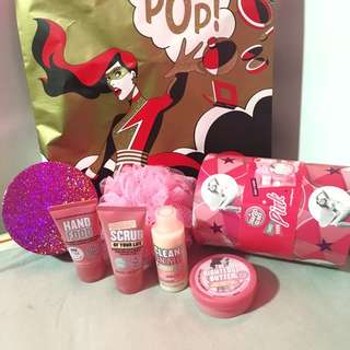 Soap & Glory Take Your Pink Gift Set